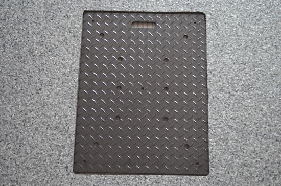 Picture of ALUMINUM GARAGE DRAIN COVER - DIAMOND PLATE PATTERN - PEDESTRIAN VERSION